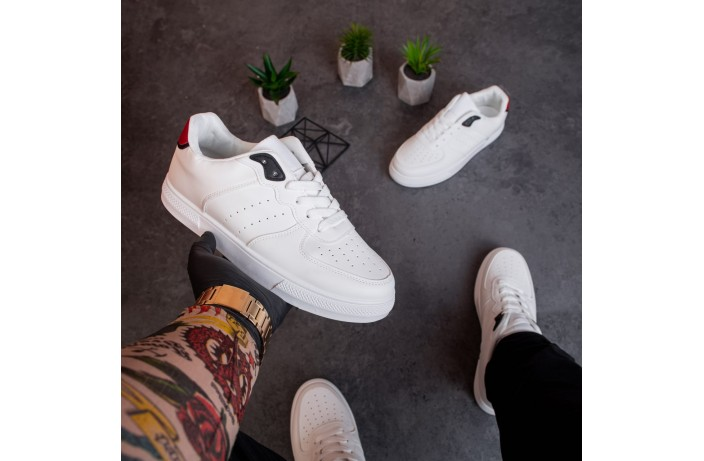 Мужские кроссовки Изи Форс (белые с красной вставкой)