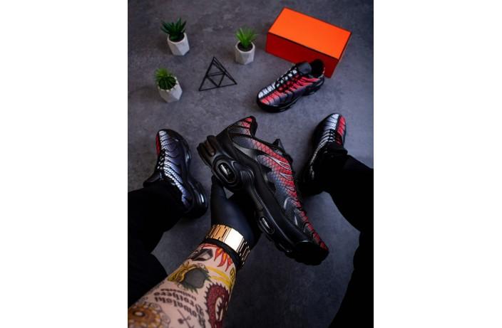 Мужские кроссовки Ривал ТН (красно-белые)