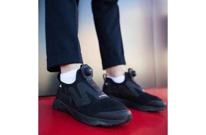 Мужские кроссовки Ветементс (черные)